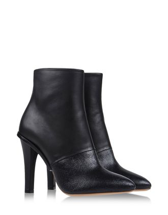 Shop online Women's Maison Martin Margiela 22 at shoescribe.com