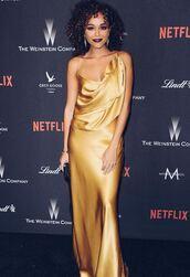 dress,ashley madekwe,blogger,gold,golden globes 2017,silk dress