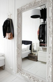 jewels,mirror,fancy,white,details,interior,home accessory,miror,classy,white mirror,white room decor,home decor,home furniture