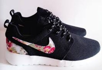shoes black and floral nike roshe run running shoes