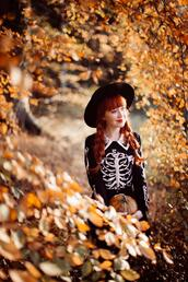 the clothes,blogger,hat,coat,t-shirt,blouse,sweater,skirt,shoes,halloween,skeleton