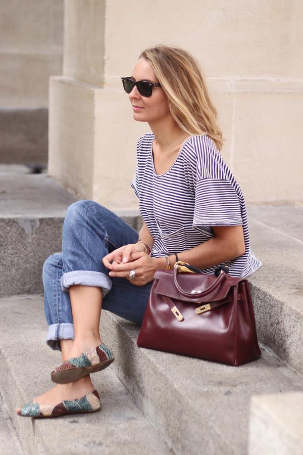 jane's sneak peak blogger top jeans bag scarf jewels