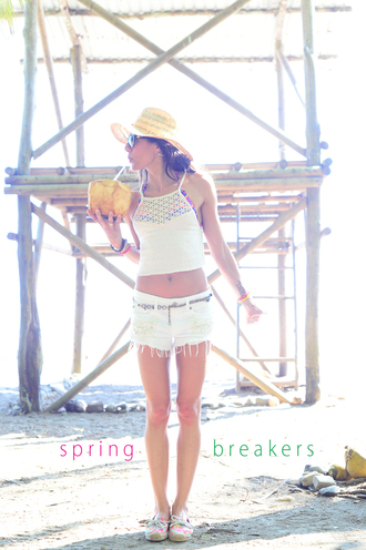 nycpretty blogger tank top hat ripped shorts spring break