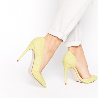 shoes yellow shoes yellow pumps high heels high-heels shoes crocodile skin