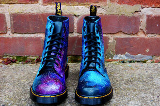 shoes boots galaxy drmartens doc martens laces cool combat boots blue starts military style space cute tumblr girly yellow tag black tag purple blue boots purple boots star boots stars swag swag boots cute boots cute combat boots military boots lace up boots lace up galactic