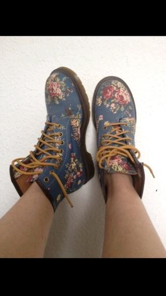 shoes dr.martens roses combat boots