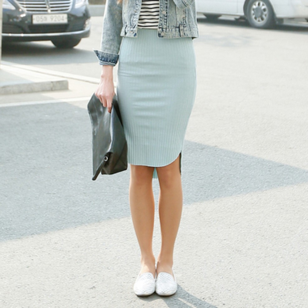 Unbalanced band skirt