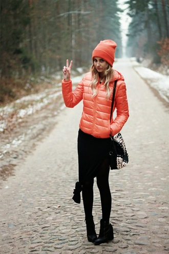 lilissss blogger bag down jacket orange beanie