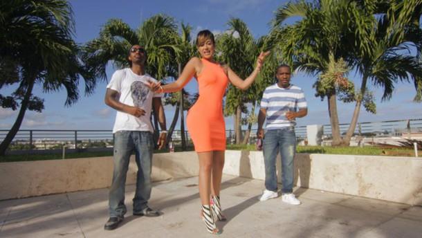 dress msxela rappermsxela rapper orange dress orange gorgeous simple dress simple chic