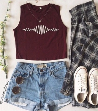 blouse band merch rock arctic monkeys burgundy crop tops outfit teenagers shirt converse plaid jeans shades necklace arctic monkeys t shirt shorts t-shirt cardigan sunglasses shoes make-up jewels top voice weheartit cute tumblr hunter shirt band hipster indie bands tank top black white sound waves crimson crop marroon sleeveless burgundy top indie holidays summer maroon shirt red lines red top burgundy clothes music tumblr shirt artic monkeys symbol