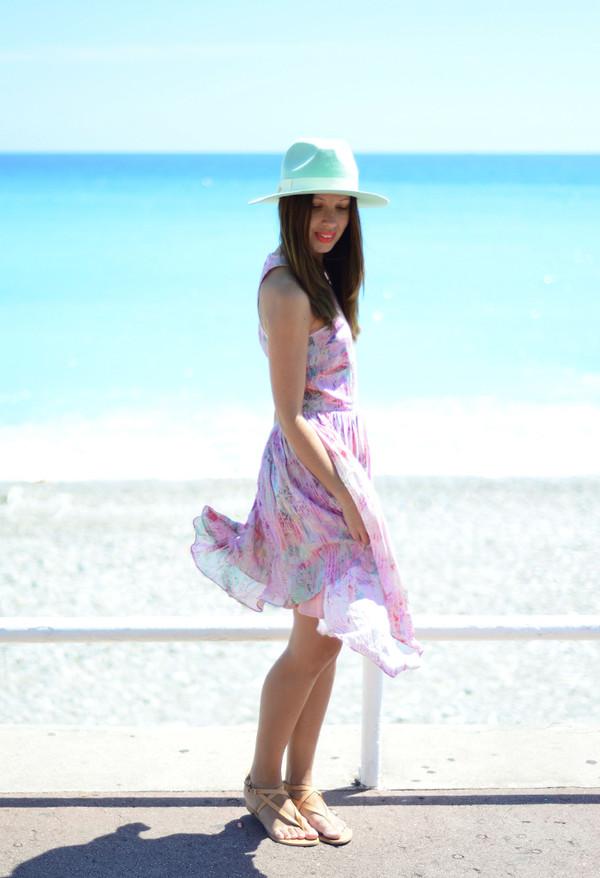 friend in fashion dress hat jewels shoes