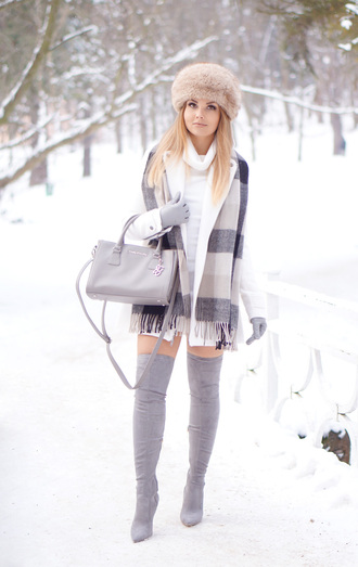 a piece of anna blogger shoes coat scarf bag hat gloves dress
