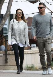 sunglasses,sweater,jessica alba,round sunglasses,menswear,grey sweater,black jeans,black boots,couple