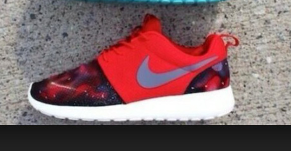 space shoes nike roshe run red