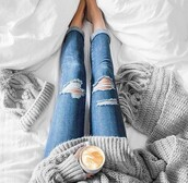sweater,jeans,grey,scarf,hat,ripped jeans,blue jeans,boyfriend jeans,grey sweater,grey scarf,grey hat,knit hats,knitwear,knitted scarf,blanket scarf,oversized sweater,coffee,cozy,fall outfits,fall accessories,grey beanie