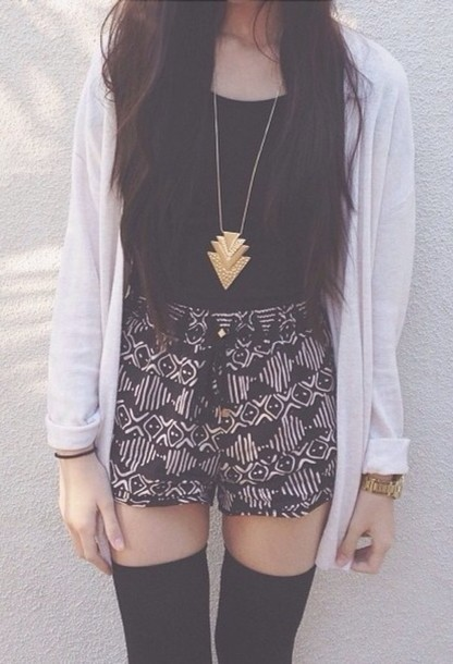 jewels gold shirt sweater underwear necklace triangle cardigan shorts pattern summer blouse cute short tumblr shorts chevron tribal pattern bohemian High waisted shorts vanessa hudgens black and white black shorts black aztec flowy spring dress tie at waist High waisted shorts motifs high waist shorts aztec stylish trendy