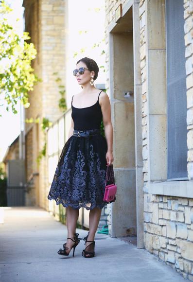 bag Belt blogger jewels sunglasses hallie daily