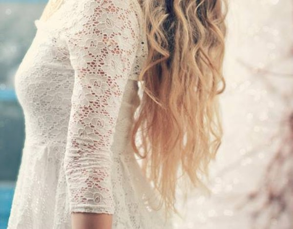 dress vintage coral white white dress lace dress short long mini lace lace dress girl blonde hair hair curly hair