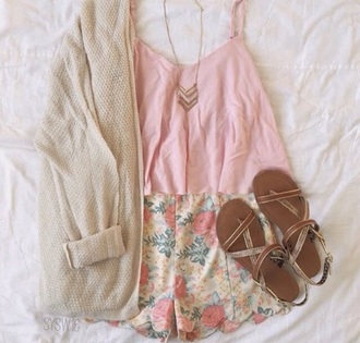 shorts flowers pink top beige top cute