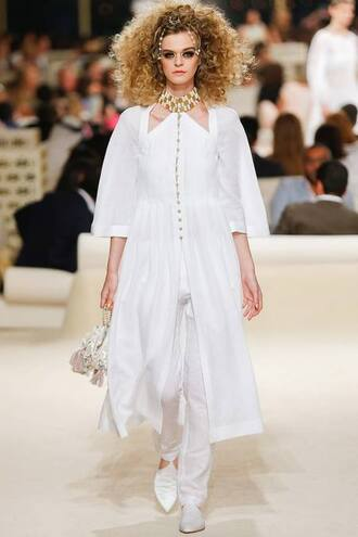 dress babouches white babouches chanel babouche slippers chanel pants white pants white dress hairstyles