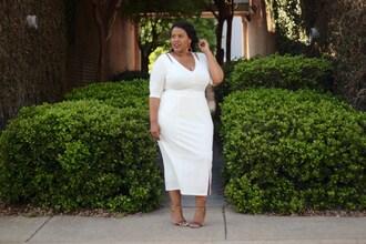 the natural fashionista blogger top skirt curvy midi skirt white skirt white top
