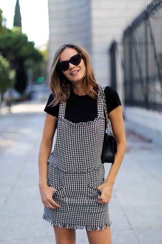 dress tumblr mini dress t-shirt black t-shirt houndstooth sunglasses bag black bag