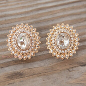 jewels,earrings,glamour,crystal,gold earrings,diamonds,statement earrings,trendy,amazing lace,accessories