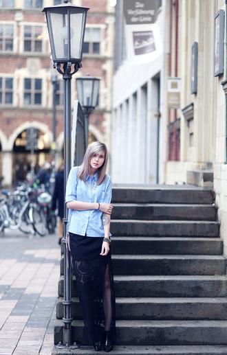 bekleidet blogger blue shirt slit skirt blouse skirt shoes bag jewels slit maxi skirt