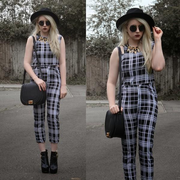 sammi jackson blogger sunglasses jewels bag shoes