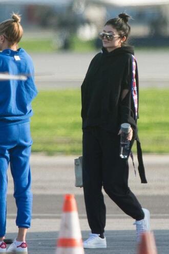 sweater sweatshirt kylie jenner kardashians sneakers sportswear sweatpants