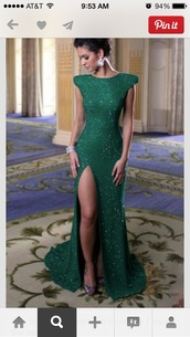 dress,green dress,prom dress,green,emerald green formal dresses,emerald green,sparkle,sparkly dress,side split,formal dress,formal