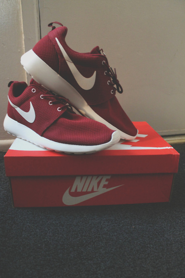 roshes nike footlocker shoes
