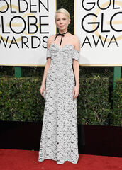 jewels,necklace,choker necklace,gown,prom dress,golden globes 2017,red carpet dress,bustier dress,michelle williams,black choker,bow,bows,bow choker,celebrity style,celebrity,celebstyle for less,jewelry