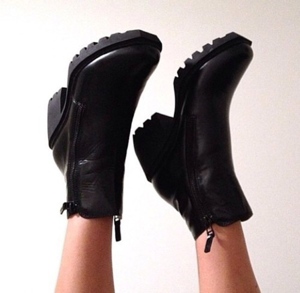 shoes black boots tumblr weheartit