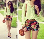 shoes,bag,heels,shorts,flowered shorts,blouse,tumblr,green,shirt,floral,jewels,green top,chambray top,green chambray top,belt,clothes,floral skirt,blue skirt,cute shorts