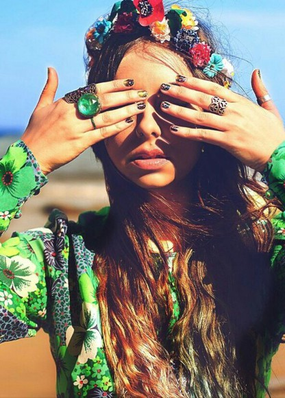 green blouse summer outfits floral shirt boho chic flower crown hippie