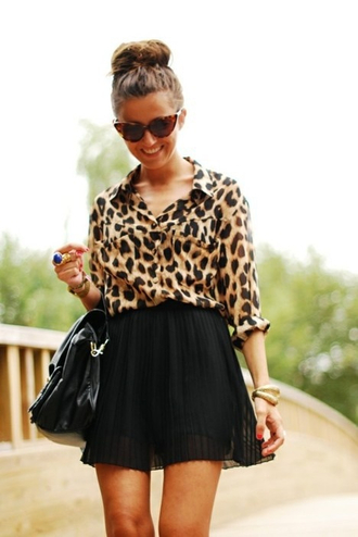 blouse nude light brown bun sunglasses black skirt black bag purse bluse classy lux gold jewlery cheetah is the new black cheetha print cat eye pleated skirt fall outfits luxury tumblr tumblr outfit tumblr clothes skirt