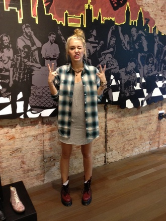 dress miley cyrus grey dress grunge blouse coat jacket shoes