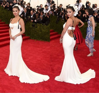 dress gown red carpet dress selena gomez met gala white metgala2015 celebrities in white