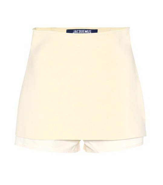 Jacquemus Crêpe shorts in beige / beige