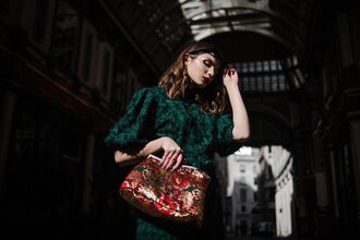 lolita mas blogger dress shoes bag make-up jewels sunglasses fall outfits green dress clutch