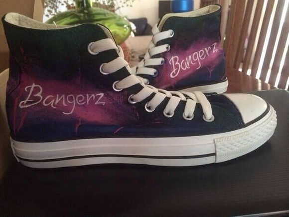 shoes basket converse bangerz, beanie, black