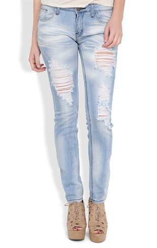 Machine Skinny Jean in Super Light Blasted Wash with Destruction Mobile