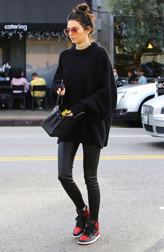 le fashion image blogger sweater leggings jacket top shoes black sweater oversized sweater winter outfits handbag sneakers leather pants nike all black everything