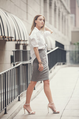 queen of jet lags skirt shoes jewels sunglasses office outfits sandals high heels grey grey skirt white shirt classy working girl blonde hair white shoes heel sandals pencil skirt minimalist shirt minimalist shoes