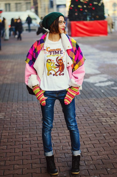 beauty insanity blogger scarf cartoon gloves colorful t-shirt shoes coat knitted gloves multicolor white t-shirt graphic tee pink jacket jacket jeans denim blue jeans beanie pom pom beanie boots lace up boots black boots winter boots glasses
