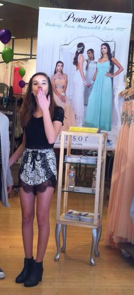 black shorts lace white lace shorts summer cute black and white mandy makeupbymandy24 printed shorts paisley paisley shorts pretty spring spring fashion windsor