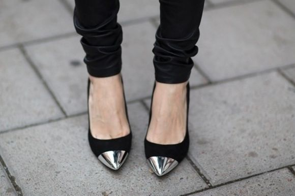 shoes metallic shoes pointed high heels black silver pumps