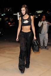 top,all black everything,bella hadid,model off-duty,streetstyle,crop tops,pants