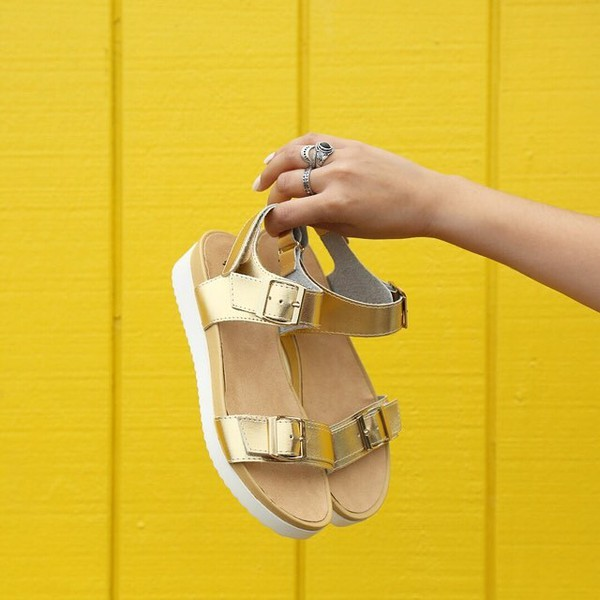 shoes sandals gold shiny metal gold sandals shiny gold sandals 90s style trendy fashionista qupid